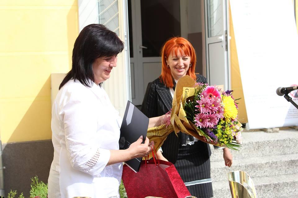 """ПГАТ """"Ц.Церковски"""" участва в честването на патронния празник на  ОУ """"Бачо Киро"""" гр. Бяла черква"""