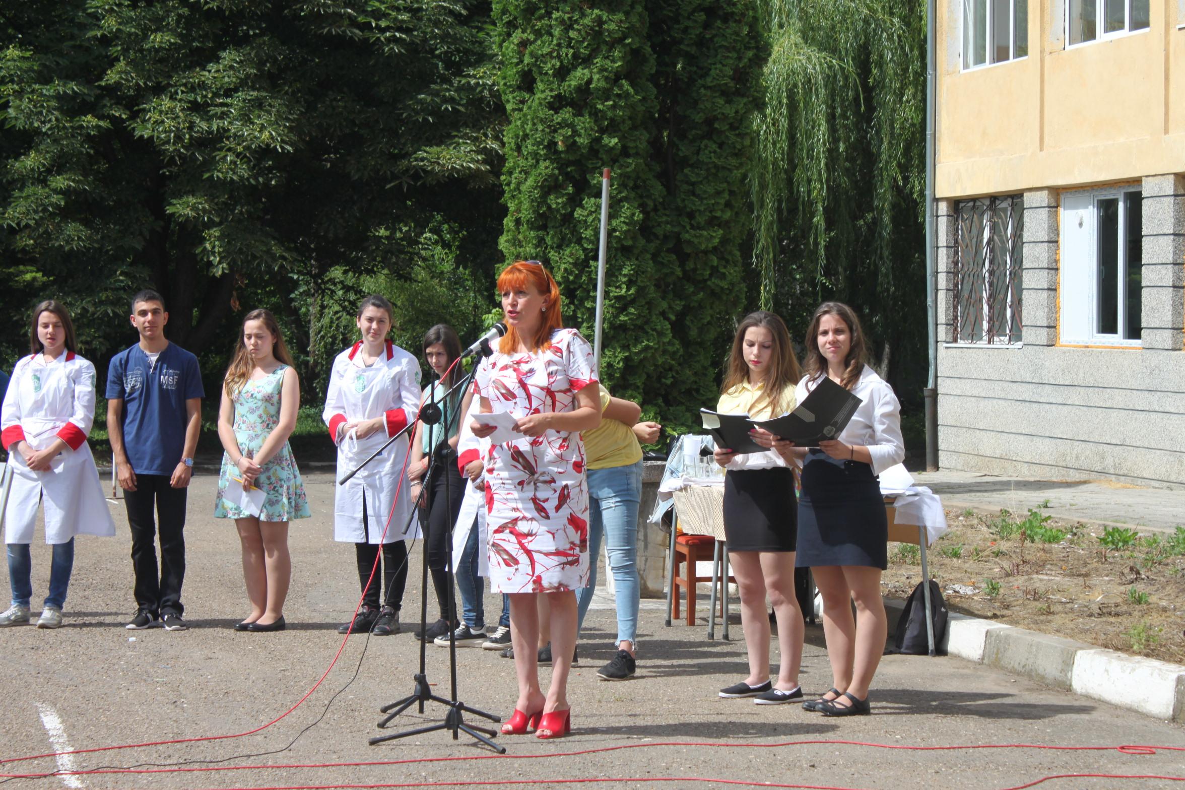 """Ден на специалностите събра бъдещи осмокласници в ПГАТ """"Цанко Церковски"""""""
